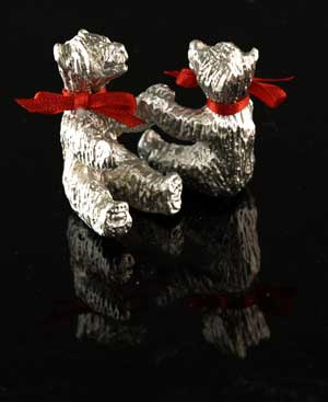 Pewter Touching Bears - click for more views.